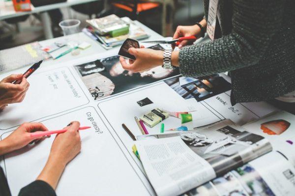 Schritt Eins auf dem Weg zum Modedesigner: Die Modedesign-Mappe